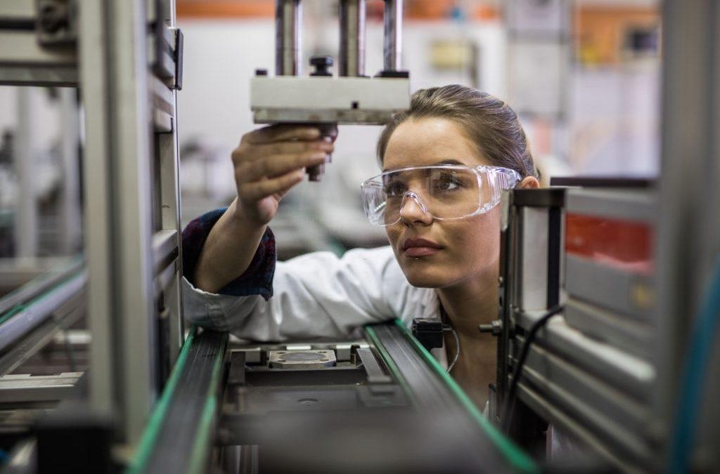 Comment promouvoir l'égalité femmes-hommes dans l'industrie ?